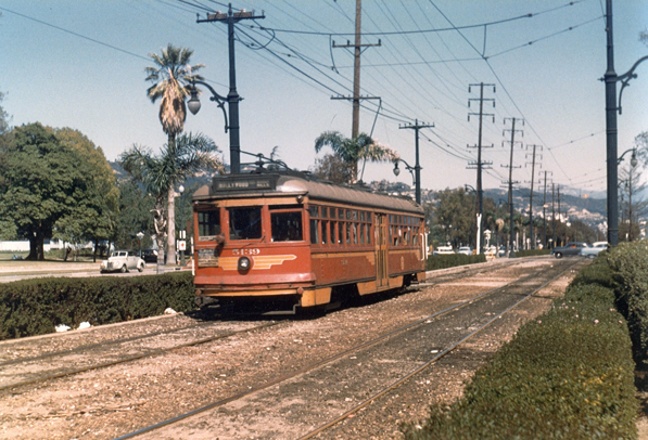 A Pacific Electric Hollywood car travels down the median of Santa Monica Boulevard in Beverly Hills. Courtesy of the Metro Transportation Library and Archive.
