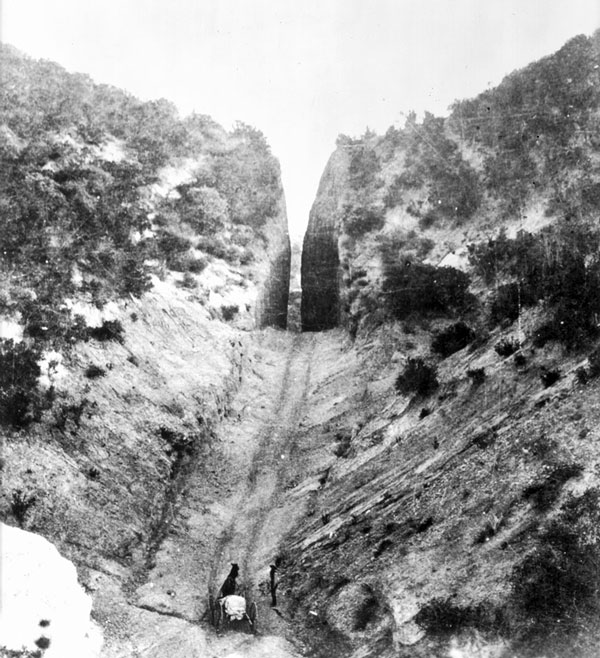 Circa 1880 view of Beale's Cut at Newhall Pass. Courtesy of the Title Insurance and Trust / C.C. Pierce Photography Collection, USC Libraries.