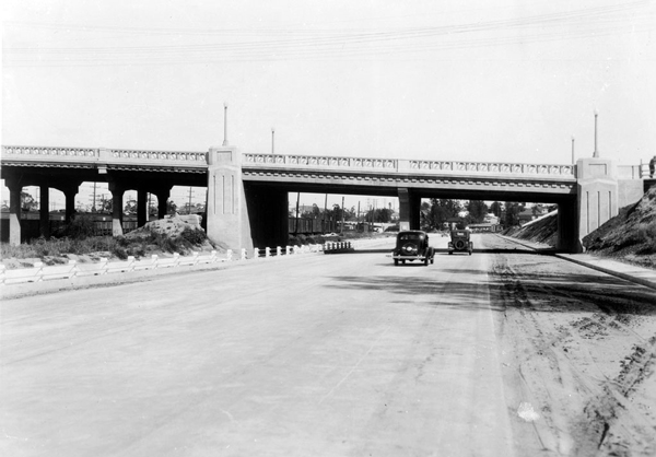 The Ramona Boulevard freeway route passes underneath State Street near Boyle Heights. Courtesy of the California Historical Society Collection, USC Libraries.