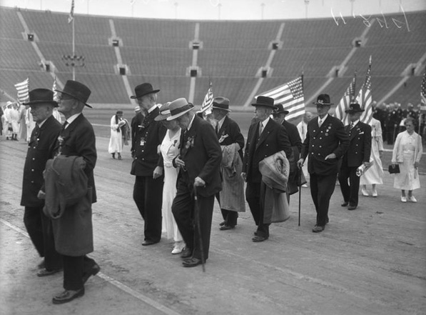 Civil War veterans take part in a 1935 Memorial Day ceremony inside the Los Angeles Memorial Coliseum. Courtesy Los Angeles Times Photographic Archive, Department of Special Collections, Charles E. Young Research Library, UCLA.