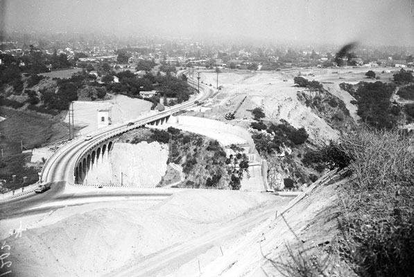 The Foothill Freeway under construction at Devil's Gate Dam in August 1954. Courtesy of the Los Angeles Examiner Collection, USC Libraries.