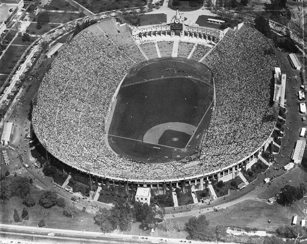 Los Angeles Coliseum on the Dodgers' Opening Day 1958. Courtesy of the USC Libraries' Los Angeles Examiner Collection.