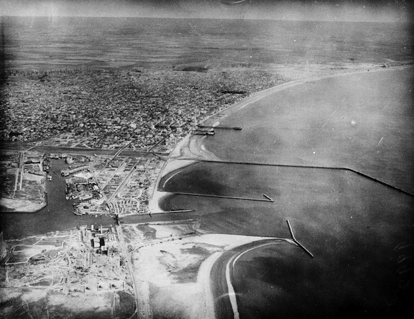 Aerial view of the San Pedro Bay harbors in 1953. Courtesy of the Los Angeles Examiner Collection, USC Libraries.