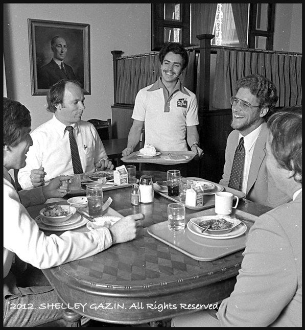 Diners at Clifton's Silver Spoon in 1981. Photo by Shelley Gazin, courtesy of the Gazin Archive.
