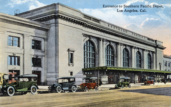 Central Station circa 1915. Loyola Marymount University Library / Werner von Boltenstern Postcard Collection