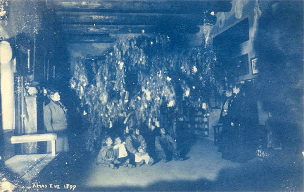 Christmas Eve 1899 inside El Alisal. Courtesy of the Braun Research Library Collection, Autry National Center, P.33777.