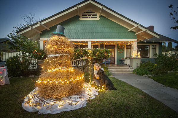 Our tumbleweed snowman. | Photo: Douglas McCulloh