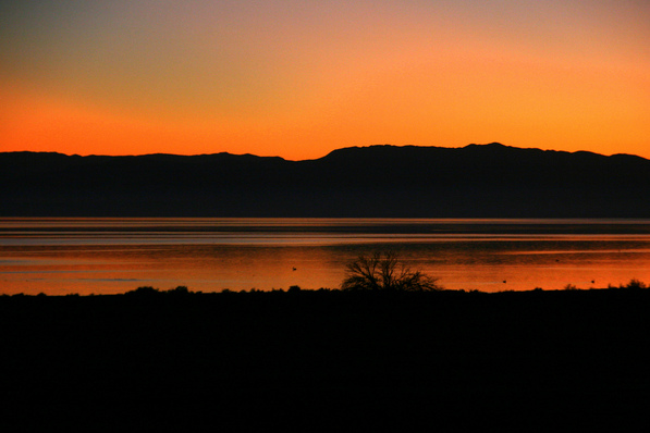 Salton Sea after sunset | Creative Commons photo by slworking2