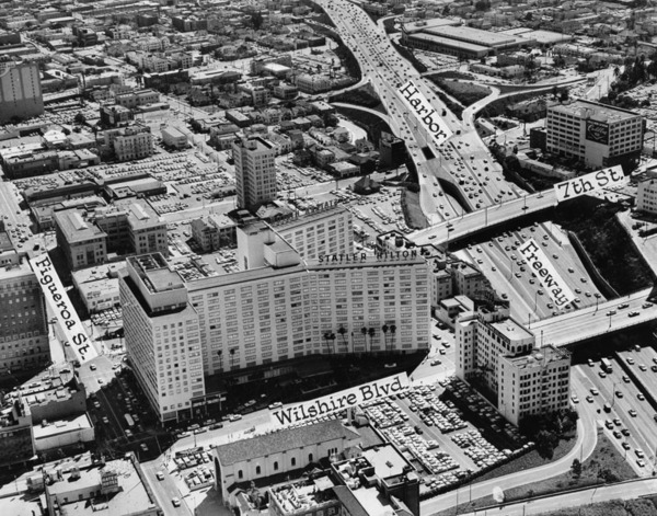 1960 aerial view of the intersection. Courtesy of the Herald-Examiner Collection, Los Angeles Public Library.