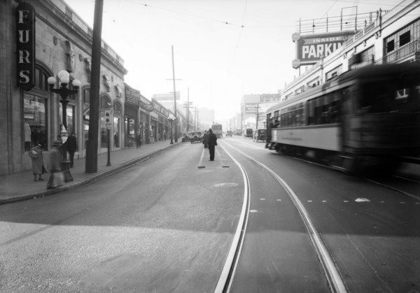 Intersection__West_7th_Street_and_South_Figueroa_Street_Los_Angeles_CA_1933_image_2.jpg