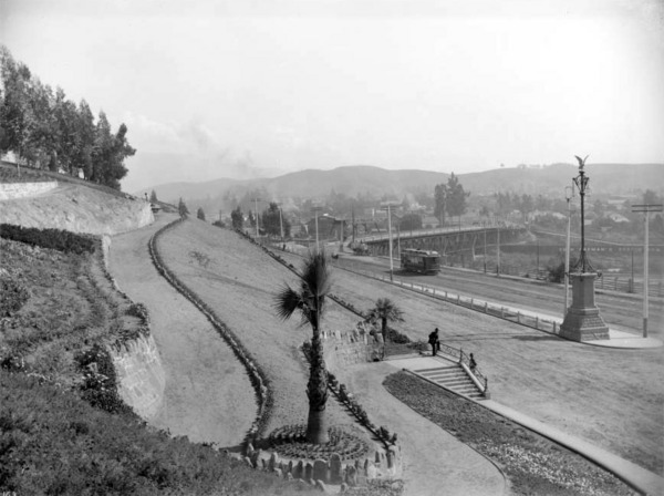 Elysian Park's eastern entrance along North Broadway, then named Buena Vista Street, circa 1900. Courtesy of the USC Libraries - California Historical Society Collection.