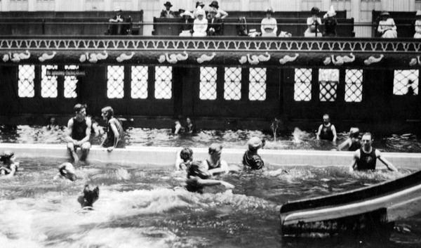 Ocean Park plunge. Courtesy of the Security Pacific National Bank Collection, Los Angeles Public Library.