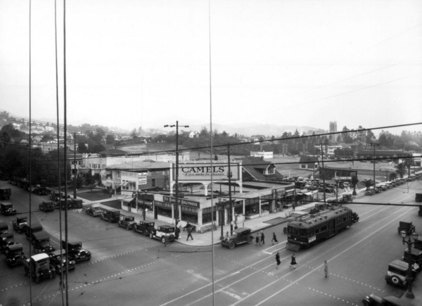 A 1927 view of Hollywood and Vine, looking toward the northeast from the future Broadway Hollywood building. Courtesy of the USC Libraries - Dick Whittington Photography Collection.