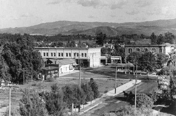 Downtown Orange, circa 1907. Courtesy of the Orange County Archives.