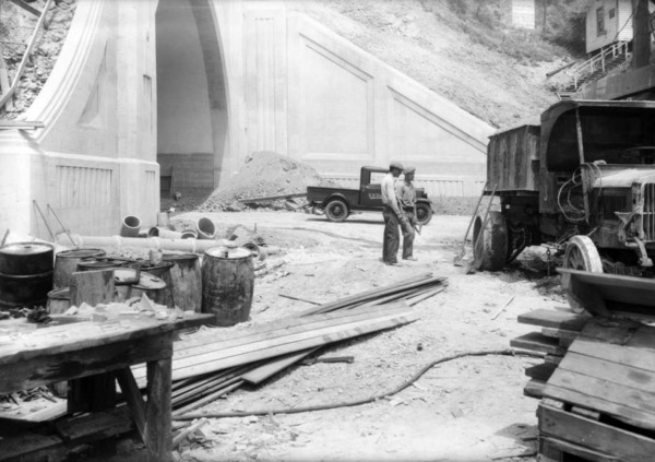 Another view of tunnel construction in 1931. Courtesy of the USC Libraries - Dick Whittington Photography Collection.