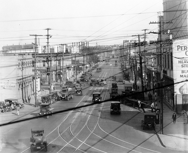 In the first part of the 20th century, Aliso Street was a major interurban trolley route into and out of downtown Los Angeles. Circa 1925 photograph courtesy of the Metro Transportation Library and Archive.