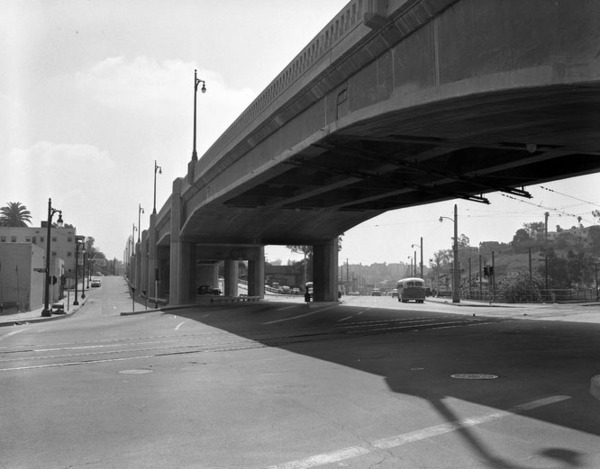 The First-Beverly Viaduct over Glendale Boulevard in 1956. Courtesy of the Los Angeles Times Photographic Archive, UCLA Library.
