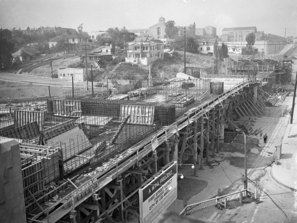 The WPA, city of Los Angeles, and Pacific Electric Railway funded construction of the viaduct, seen here in 1941. Courtesy of the Los Angeles Daily News Negatives, UCLA Library.