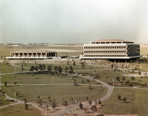 Circa 1967 view of the central park after its initial landscaping. The Science Lecture Hall and Natural Sciences Building float beyond the park. Courtesy of the Special Collections and Archives, UC Irvine Libraries.