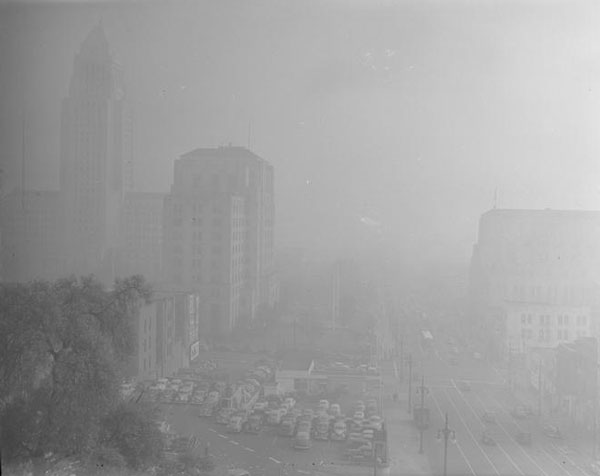 The Los Angeles civic center shrouded in smog, 1948. Courtesy of the Los Angeles Times Photographic Archive. Department of Special Collections, Charles E. Young Research Library, UCLA. Used under a Creative Commons license.
