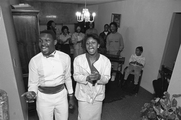 Vessels of Christ Ministry Choir in South Central Los Angeles, 1986. Courtesy of the Los Angeles Times Photographic Archive. Department of Special Collections, Charles E. Young Research Library, UCLA