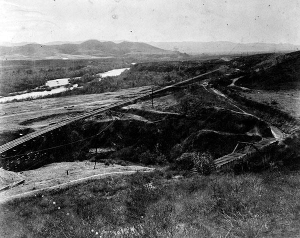 Santa Ana Canyon before flood control measures transformed the river's appearance. Courtesy of the Photo Collection, Los Angeles Public Library.