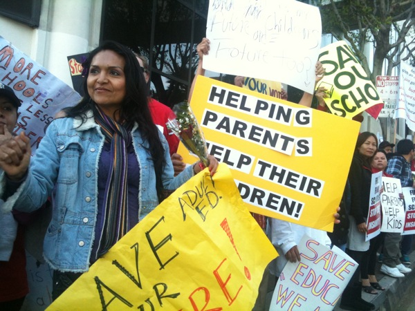 Angelica Chavez protests outside the headquarters of the L.A. Unified School District | Photo: Adolfo Guzman-Lopez