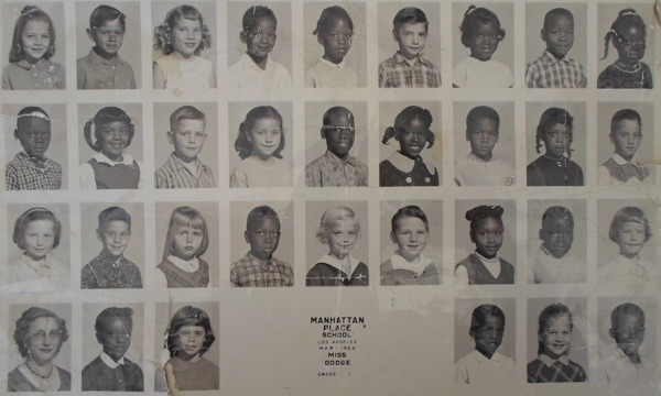 Manhattan Place Elementary School class photo in 1964. | Photo: Courtesy Kris Aubry