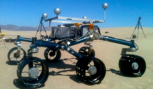 Scarecrow, a pared-down twin of the Mars Curiosity Rover, went for a test ride on the Dumont Dunes in California's Mojave Desert on Thursday, May 10, 2012 | Photo: Chris Clarke/KCET