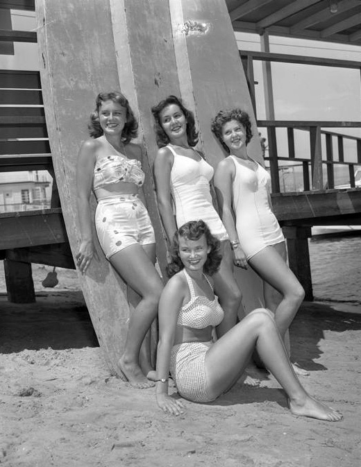 Contestants for queen of Newport Beach Tournament of Lights, 1947.