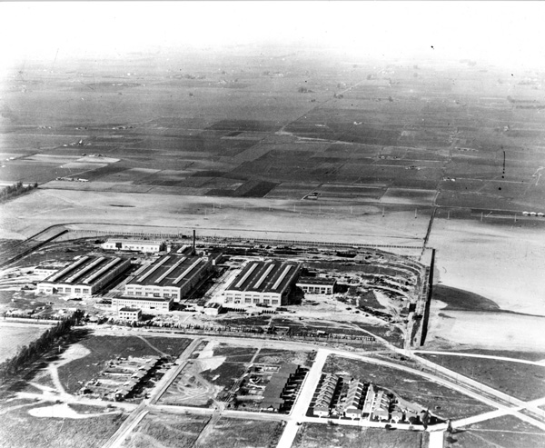 The Pacific Electric Railway's decision to locate its shops in Torrance helped make possible the town's founding. Circa 1924 aerial photo courtesy of the Metro Transportation Library and Archive.