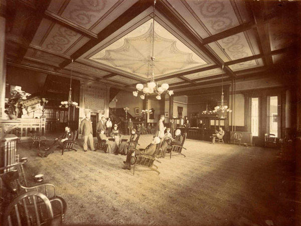 Guests relax inside the Raymond Hotel rotunda. Courtesy of the Main Photo Collection, Pasadena Museum of History.