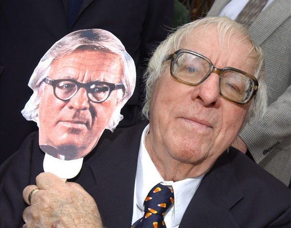 Ray Bradbury holds an image of himself during an event honoring the author with a star on the Hollywood Walk of Fame April 1, 2002 in Hollywood. | Photo: Vince Bucci/Getty Images