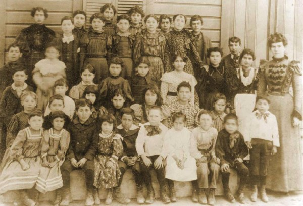 Students at San Salvador School,1897; most are direct descendants of original Agua Mansans | Photo courtesy of the San Bernardino County Museum