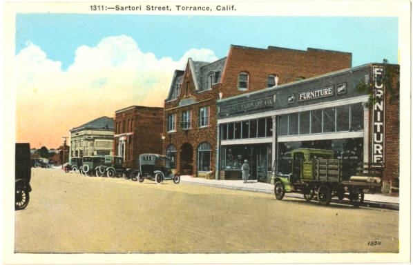 Circa 1920s postcard of Sartori Street in Torrance. Courtesy of the South Bay History Collection, Cal State Dominguez Hills Archives.