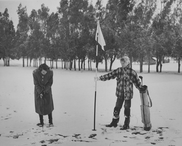 Golfing in the snow in Glendale, 1949. Courtesy Glendale (CA) Public Library