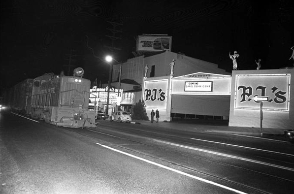 A Southern Pacific freight train in the middle of Santa Monica Boulevard in 1970. Courtesy of the Los Angeles Times Photographic Archive, UCLA. Used under a Creative Commons license.