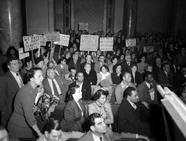 Chavez Ravine residents and public housing opponents protest the Elysian Park Heights proposal in City Hall in 1951. Courtesy of the Los Angeles Times Photographic Archive, Young Research Library, UCLA. Used under a Creative Commons license.