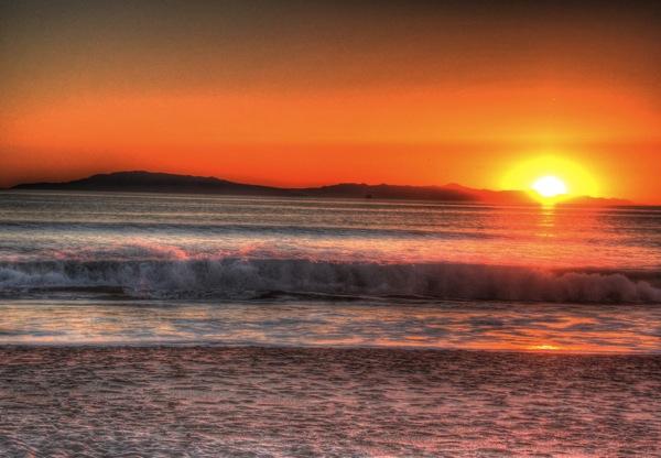 A Ventura, CA sunset.   Photo: Hank Tovar
