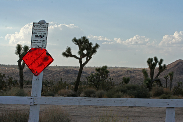 illegal-dumping-sign-8-7-12-thumb-600x400-33777