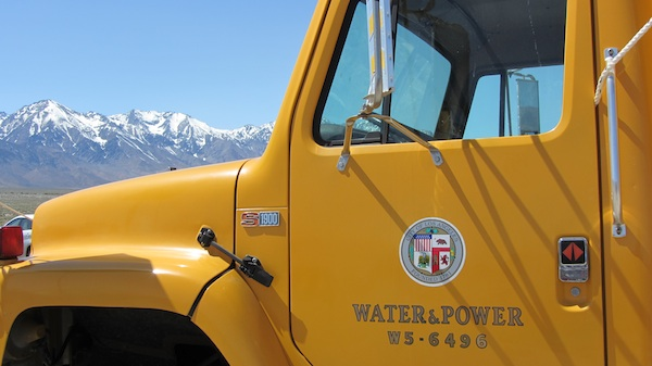 An LADWP truck in the Owens Valley with the Eastern Sierras in the background | Photo by Zach Behrens/KCET