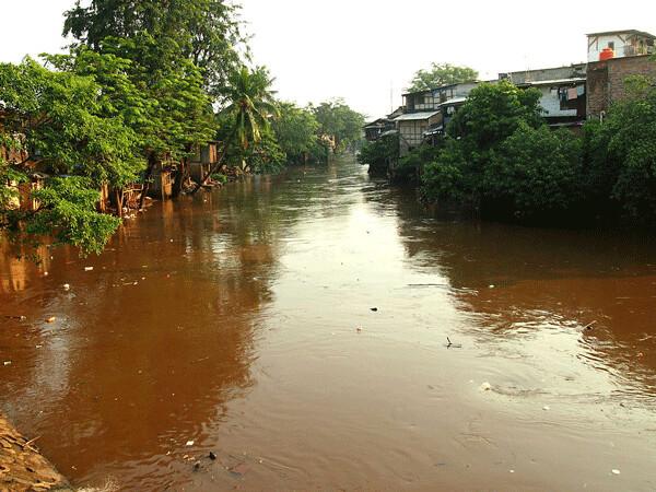 Ciliwung River at Bukit Duri and Kampung Pulo, Jakarta, July 2013   Kian Goh