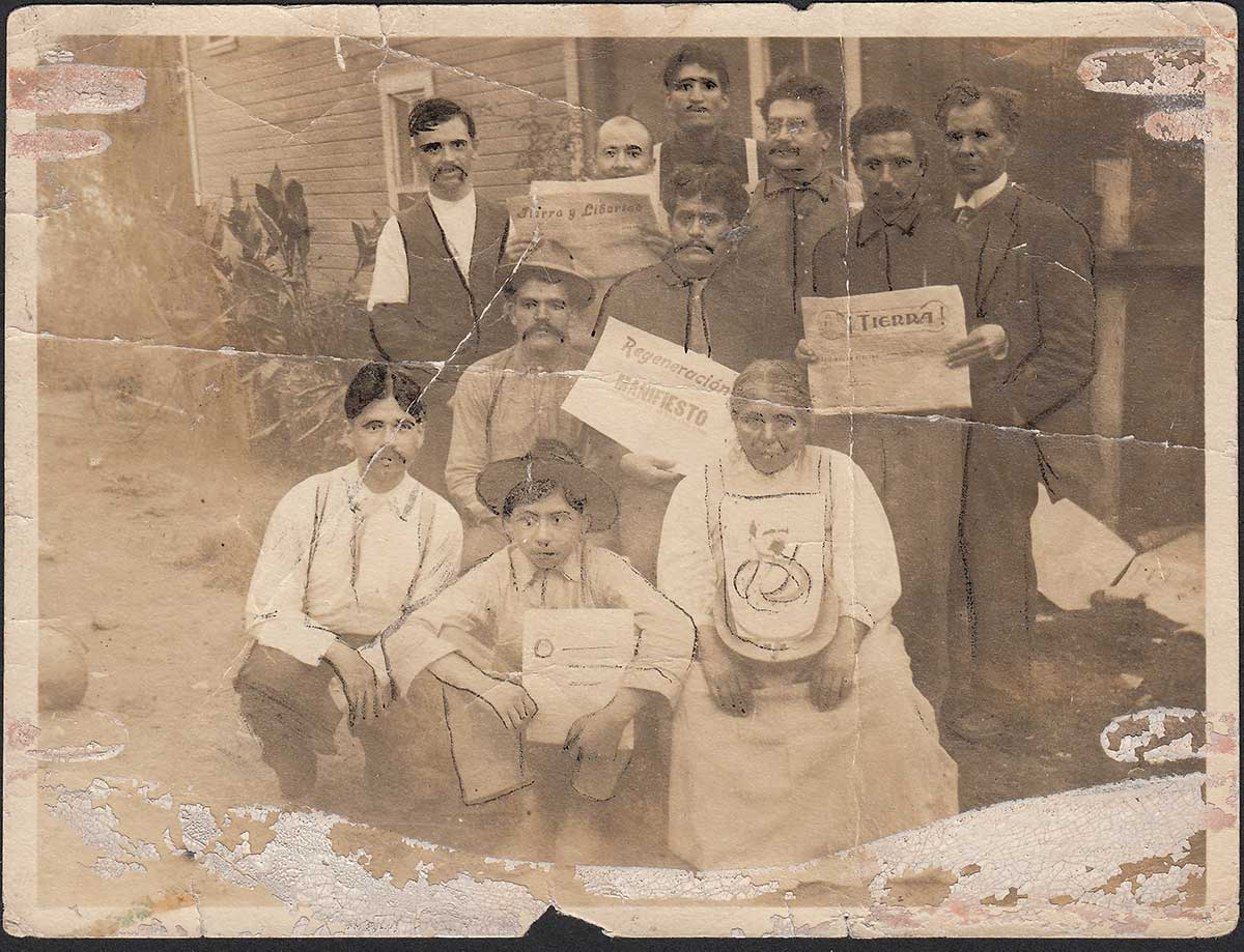 . Members of the Partido Liberal Mexicano and supporters of Regeneración in Edendale, Los Angeles, 1914. Courtesy of La Casa de El Hijo del Ahuizote, Photographic Collection. Regeneracion