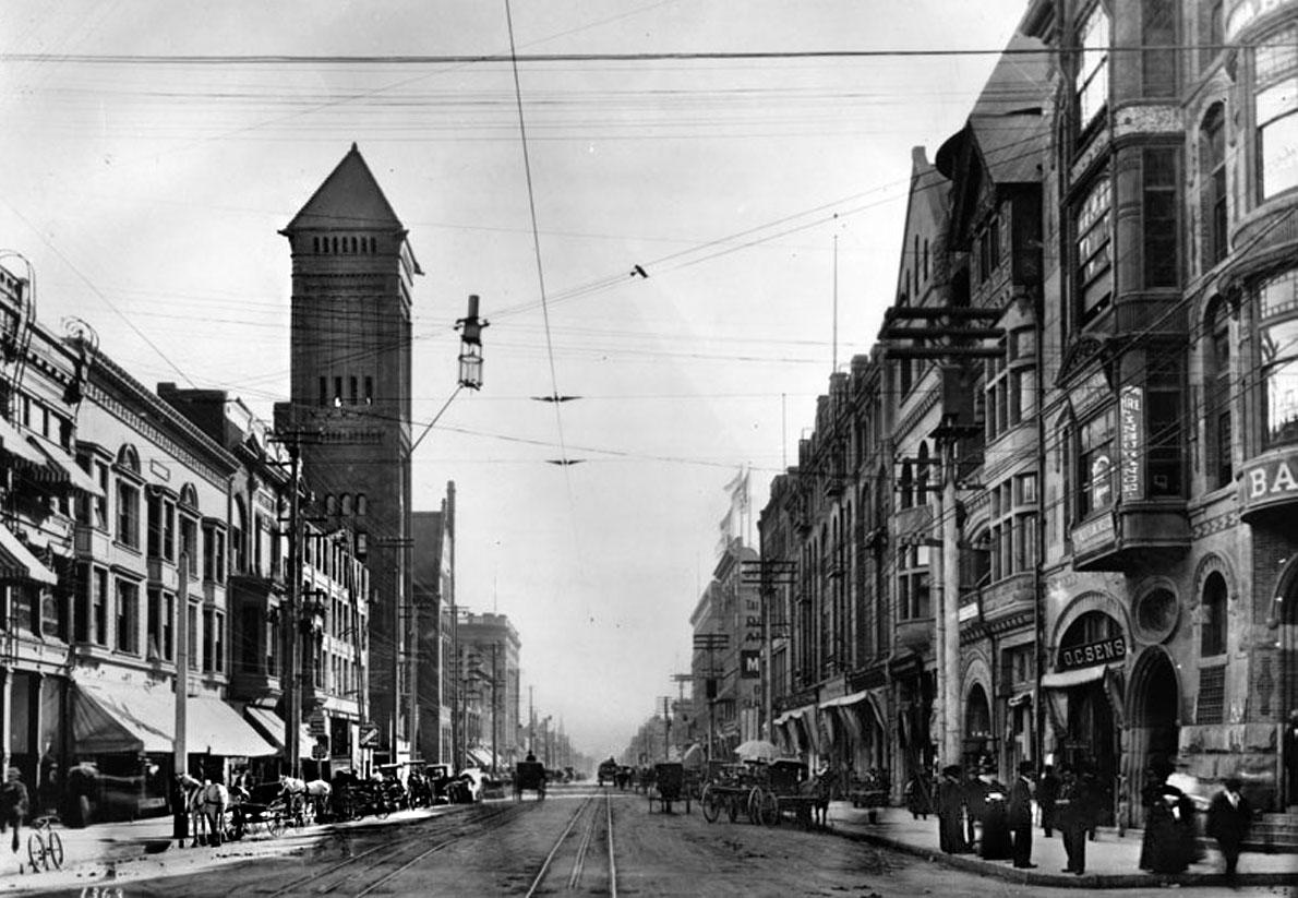 Broadway, 1895