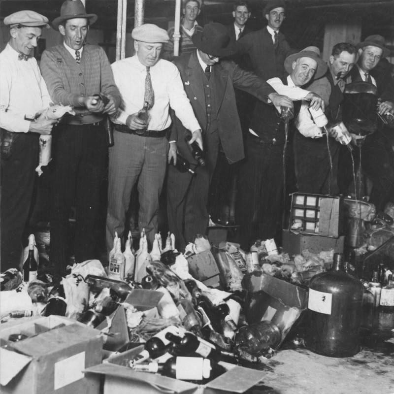 $150,000 worth of liquor seized during the Christmas holidays | Herald Examiner Collection of the Los Angeles Public Library