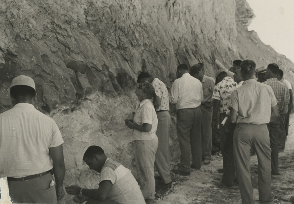 Edith Heath at clay pits | Courtesy of the Environmental Design Archives at UC Berkeley