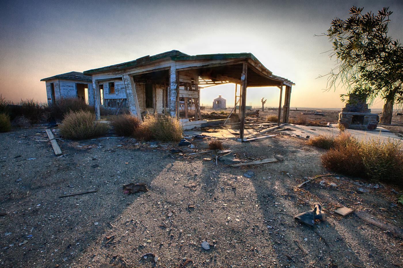 Abandoned in america photographer nyla james explores for Abandoned neighborhoods in america