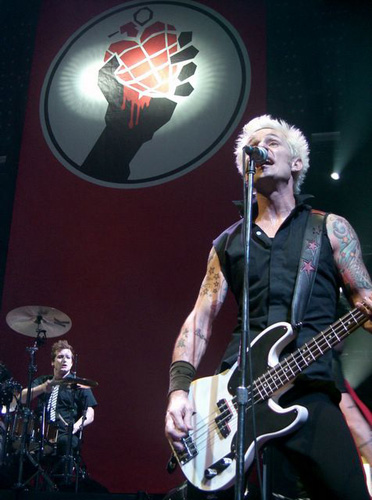 Mike Dirnt and Tre Cool of Green day at the Cardiff leg of the UK 'American Idiot' tour. | Lloyd Morgan/Flickr