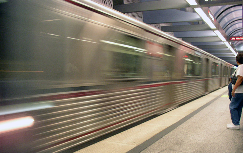 June 2000 - Metro Red Line Subway Completed to North Hollywood | KCET