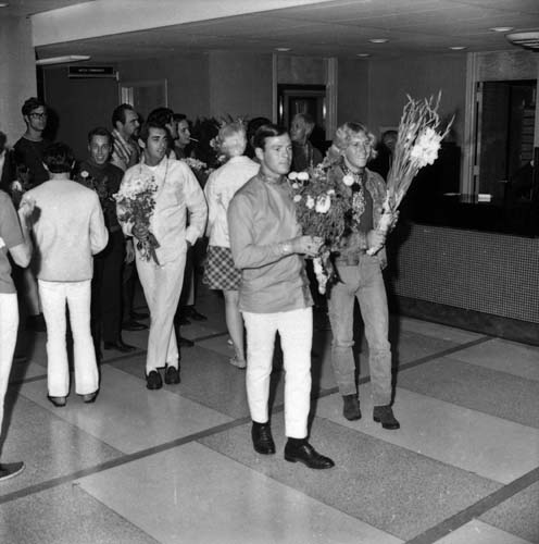 "The ""Flower power militia"" at the LAPD station"